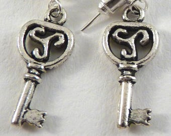 1 pair earrings key / 2011142