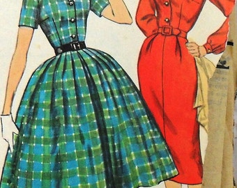 Simplicity 2622 dress with two skirts, bust 34