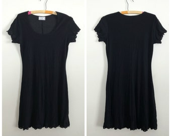 90s stretchy little black dress with floral hemming M