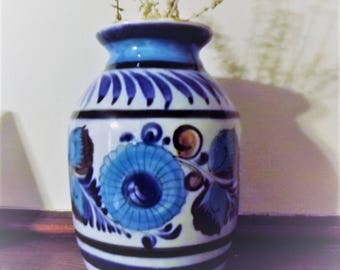 Mexican Pottery Blue Vase excellent condition home decor