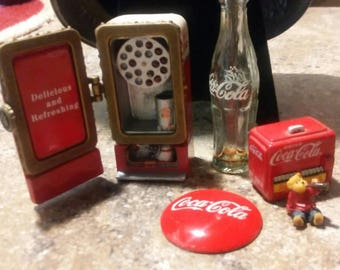 Free Shipping! Lot of miniature Coca-Cola collectables