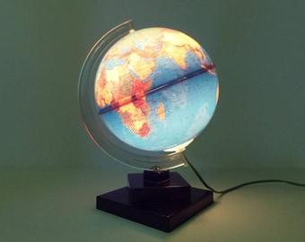 Perfect French Vintage World Globe Desk Lamp   Light Up Vintage Globe 1968u0027s   Paris