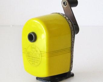 Vintage Yellow Apsco Midget Plastic Manual Pencil Sharpner