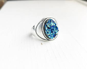 Silver Blue Faux Druzy Ring / Size 7 Iridescent Boho Bohemian Statement Gypsy Costume Summer Festival Style Free Spirit Chunky Oval Silver