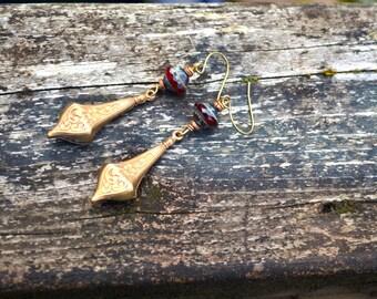 Vintage boucles d'oreilles en laiton ornées de picasso verre tchèque perles fait main bijoux cadeau