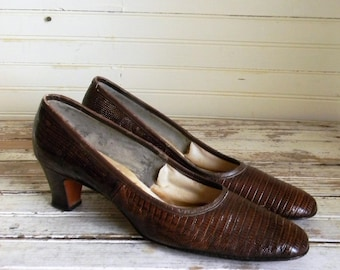 Vintage Lizard Skin Shoes, 1960s Pumps, Size 8 AAAA Brown LIizard Skin Shoes, 1960s Fashion Shoes, Reptile Skin Shoes, 60s Pumps, Snakeskin