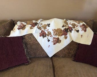 Vintage Luther Travis Linen Tablecloth, Luther Travis Autumn Leaves & Grapes