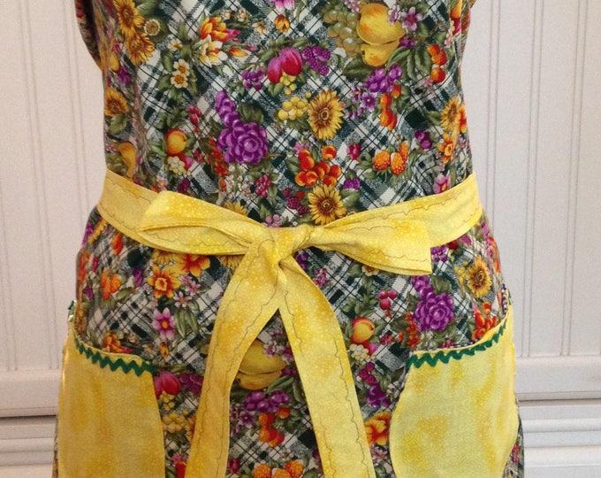 Vintage style full apron women's apron green yellow sunflower fruit bib neck light weight cotton apron green ric rac yellow pockets