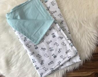 Puppies Baby blanket, dog lover, Swaddle blanket,  stroller blanket, Crib bedding, nursery bedding, baby shower gift, baby girl, baby gift