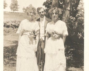 "Vintage Snapshot ""Best Man & Bridesmaids"" Victorian-Era Wedding Party Corsages White Cotton Dresses Found Vernacular Photo"