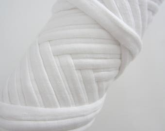 White Trapilho meter, soft and warm cotton yarn, recycled yarn, yarn for finishing you creations