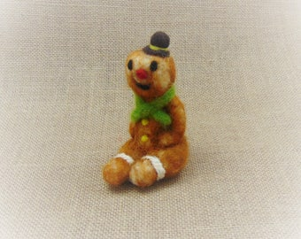 Little Christmas Ornament, Gingerbread Ornament, Felted Gingerbread Man, Gingerbread Figurine, Christmas Table Decoration, Cute Gingerbread