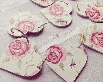 Wooden floral heart shaped bunting in rose & bee. Floral, shabby chic, bunting, garland, vintage, home decor, pink, bee, kitchen, rose print