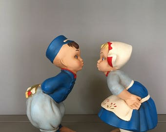 Porcelain Kissing Kids