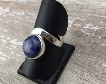 Cantilever Ring, blue denim color sodalite, sterling silver, size 7, MTS