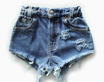 "ALL SIZES ""PLAINO"" Vintage Levi high-waisted denim shorts dark blue distressed frayed"