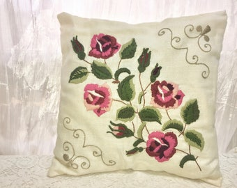 Vintage Pillow. Crewel Embroidery Pillow. Roses on White Linen. Decorative Bed or Sofa Pillow. Throw Accent Pillow.