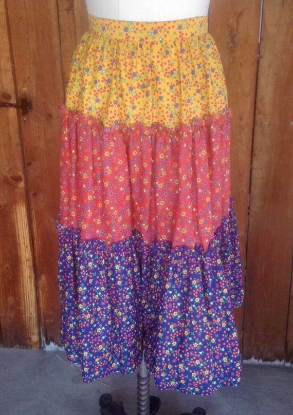 Vintage 1970's Rainbow Calico colored Tiered Prairie Skirt size Small
