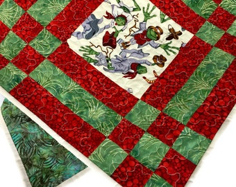 Gender Neutral Quilt, Child Frog Throw Quilt in Red and Green, Toddler Lap Quilt, Baby Quilt Handmade, Modern baby quilt,  Quiltsy Handmade