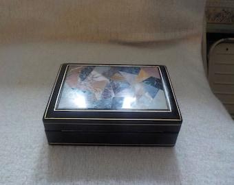 Distinctive Italian Inlaid Box