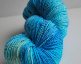 Stranger Things inspired sock yarn, Superwash Merino sock, hand painted yarn, 420 yards, blue, tonal, dustin, curiosity door, blue, cream