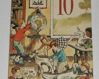 Room 10 by Agnes McCarthy Illustrated by IB Ohlsson Vintage softcover Young Readers Press book