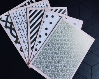 Pack of 5 A6 sized blank pink and gold cards.
