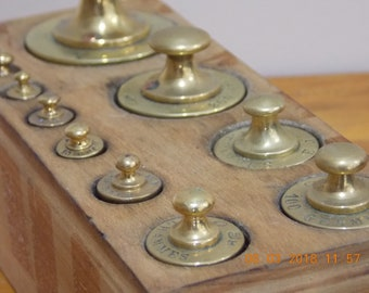 vintage set of French 12 brass scale weights in a wooden box from the 1930s - 1940s