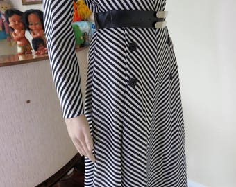 "Vintage 70s black & white striped dress - matching belt - by ""Davids"" Made in Australia"