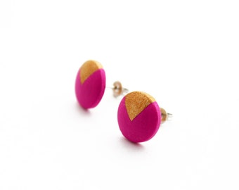 Geomeric stud earrings with gold triangle motif - hot pink, gold - minimalist, modern hand painted wooden jewelry