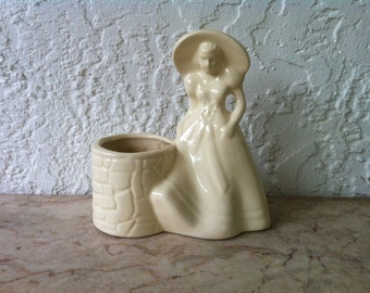 Vintage Art Pottery, Southern Belle, White Art Pottery, Wishing Well, Rebecca at the Well, Broad Brim Hat, Hull USA 954
