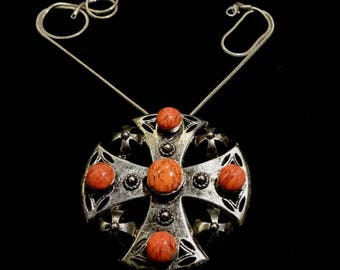 Nice Vintage Weiss Marble Coral Coloured Cabochon Maltese Cross Brooch/Pendant