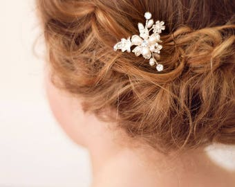Flower girl pearl hair pin