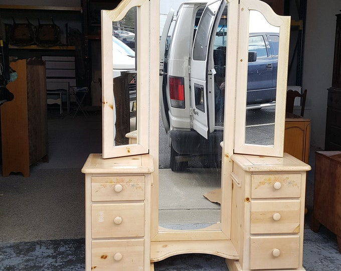 PICK UP ONLY, Vintage vanity,with mirror painting inc. french, france bedroom, make up table, dressing table, shabby chic, country