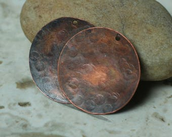 Hand hammered antique copper disc drop dangle charm size 25mm in diaeter, 2 pcs (item ID AC25mK)