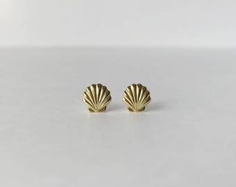 Seashell studs - Seashell earrings - Tiny gold brass seashell studs earrings with sterling silver posts
