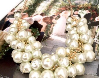 Ivory Pearl Statement Necklace with Gold Finish, Chunky Pearl Bib Necklace, Pearl Cluster Necklace, Pearl Bubble Necklace