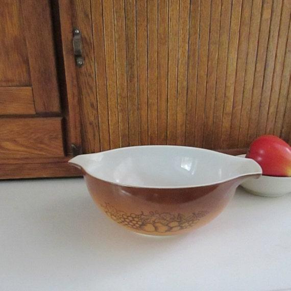 Old Orchard Pyrex Cinderella Mixing Bowl – 2.5 Qt Bowl – Brown Bowl ...