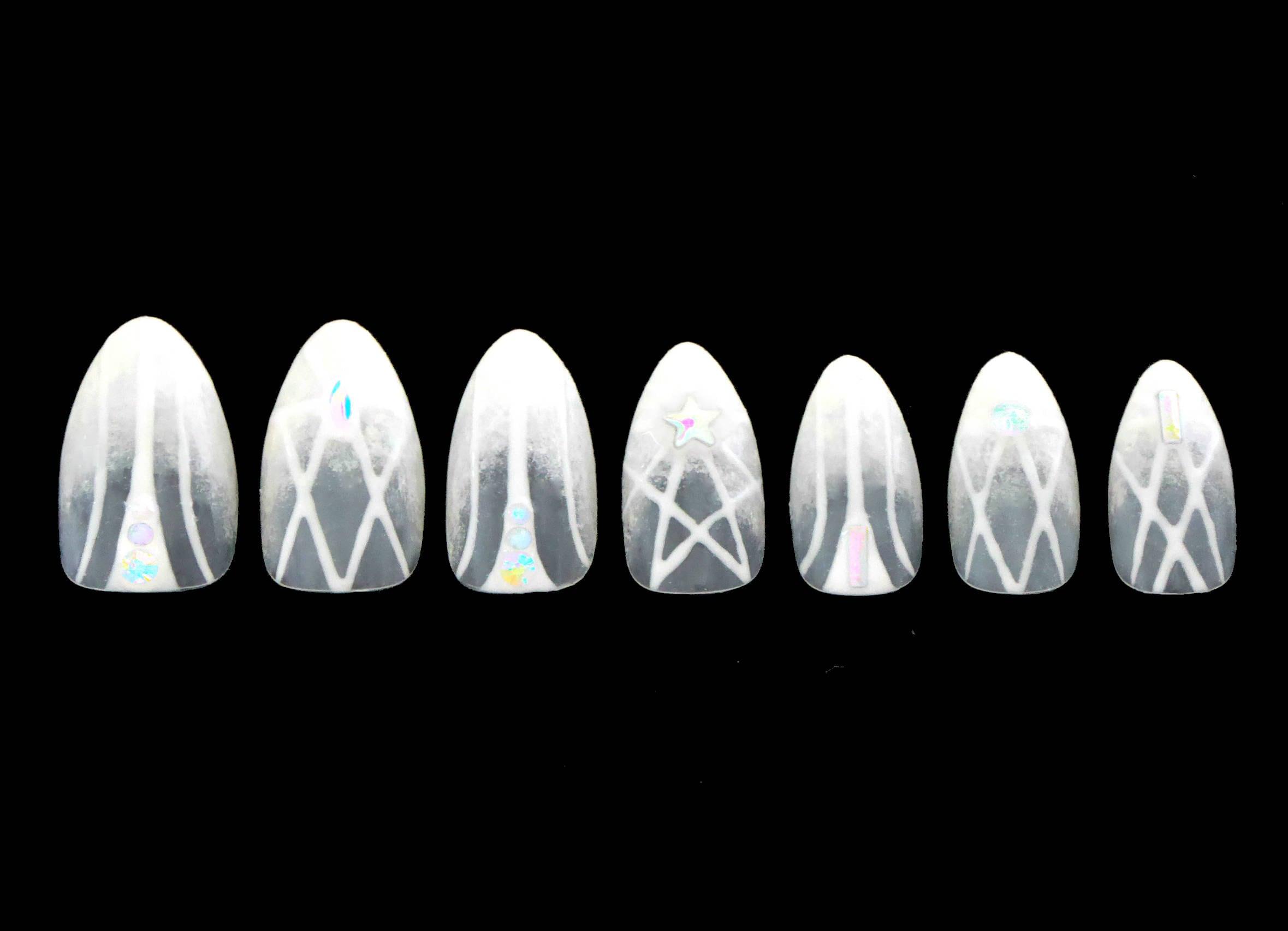 Weiße Magie Nägel / künstliche Nägel drücken Sie auf den