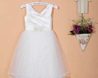 White flower girl dress / toddler girl dress / white tulle dress / baby girl dress / tulle flower girl dress / tutu flower girl dress 0021