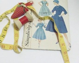 Simplicity 1950's Dress Pattern | Factory Folded Vintage Dress Pattern