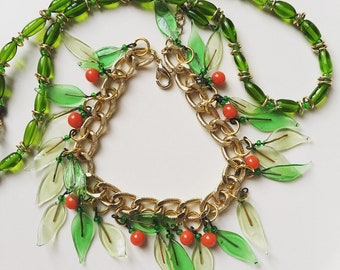 Vintage set glass leafs and berries bracelet and green glass choker necklace