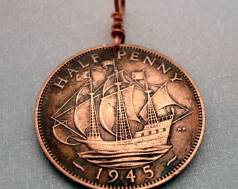 Ship Necklace. Vintage GREAT BRITAIN copper coin pendant. Coin necklace. Golden Hind ship. full sail. Copper penn. antique Ship coin jewelry