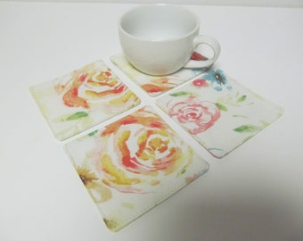Set Of 4 Fabric Coasters/Pale Color Flowers