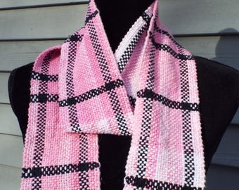 Woven cotton Scarf in Pink and Black, handwoven scarf, lightweight scarf, spring scarf, pink scarf, weaving, gifts for mom, Fashion scarf