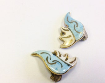 Vintage, pottery, clip on earrings.