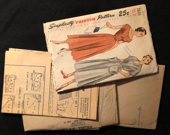 sewing pattern from the 1940s simplicity 2835 misses one piece dress and stole