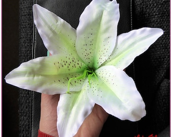 Lily large artificial flower hair clip white hair decoration x 1