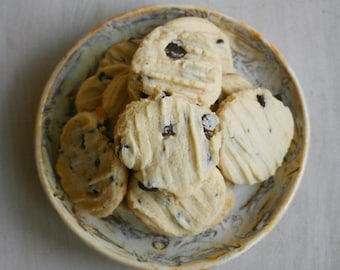 Chocolate Chip Cookies that are a little different from Tollhouse cookies (ONE DOZEN)