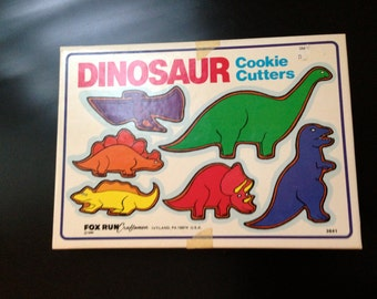 6 cookie cutters metal DINOSAUR